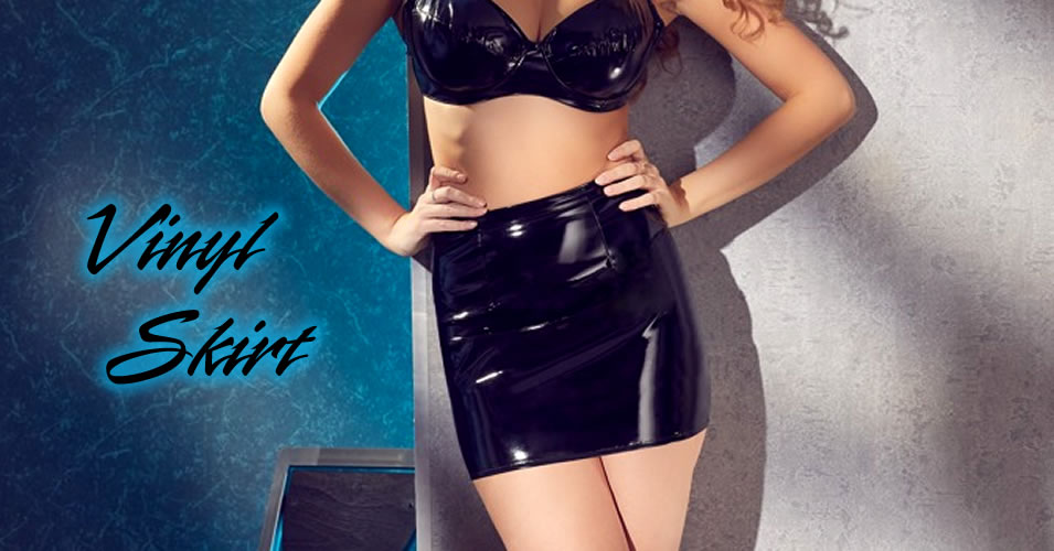 Mini Skirt in Shiny Vinyl