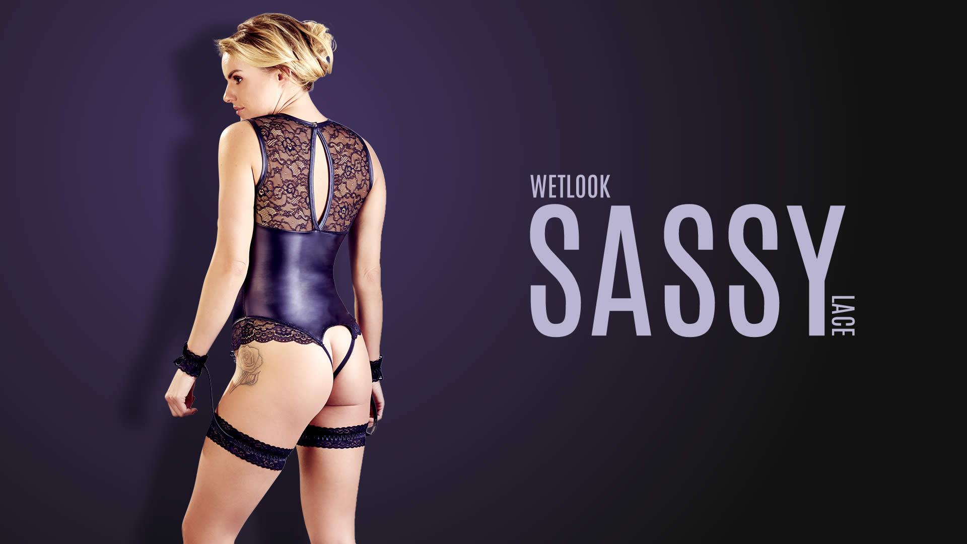 Wetlook Bondage Body with Handcuff Garters